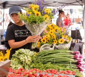Read more about the article Public Events | Farmer's Market on Broadway